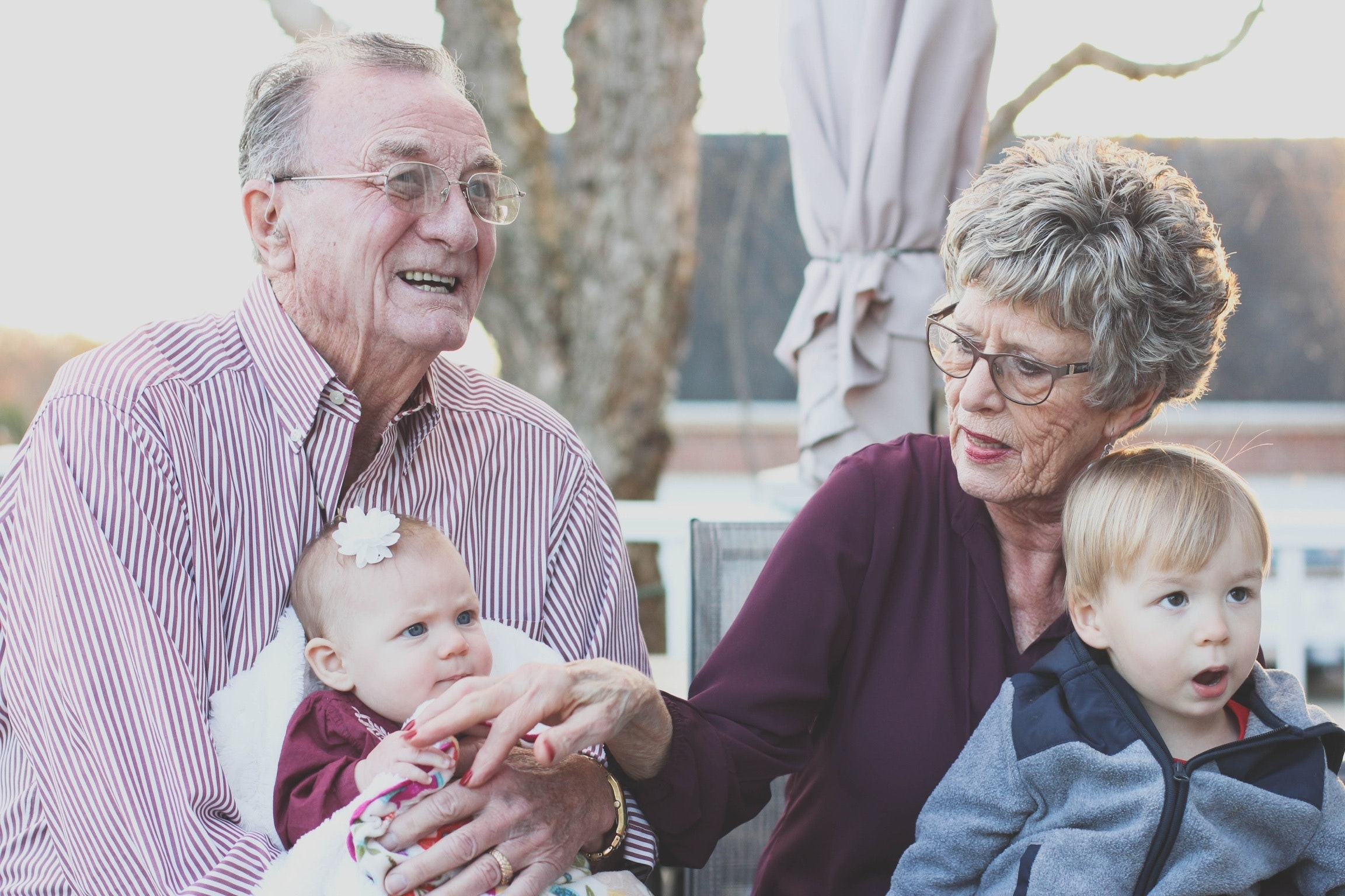 Finding walking aids for elderly loved ones can help them spend time with their family.
